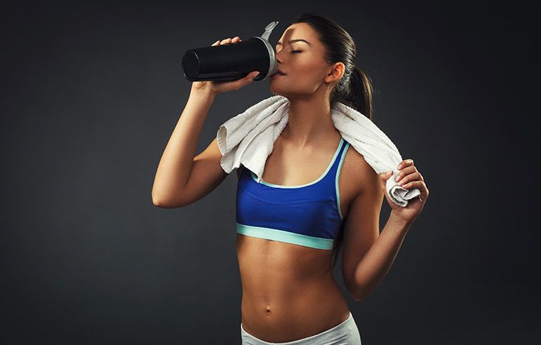 What To Look For In The Best Pre-Workout Supplements For Women (And What To Avoid)